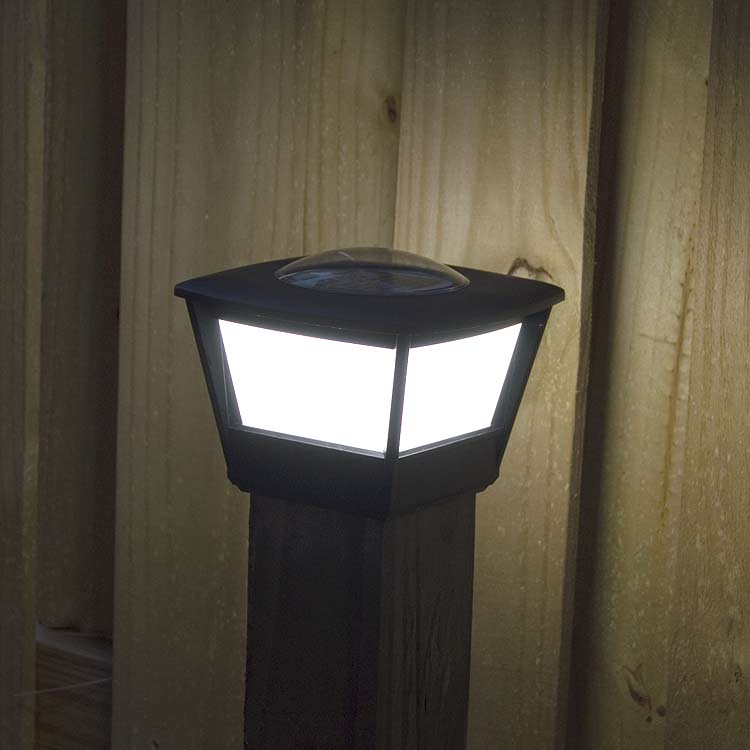 Post cap solar light for 4x4 wood post