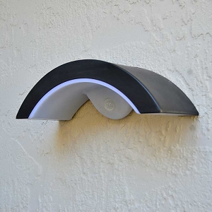 Solar Wall Mount Entrance Light - BRIGHTON. Stylish solar lights for garage entrances.