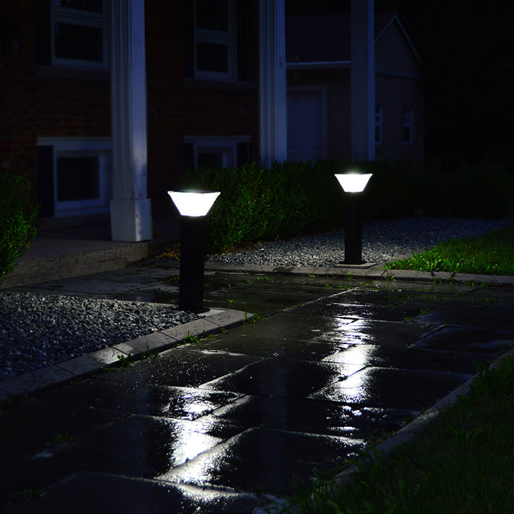 Wireless Pathway Solar Lights for Driveways