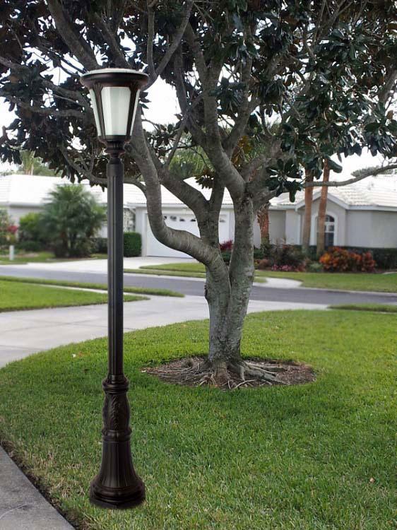 Colonial styling in wireless solar lighting