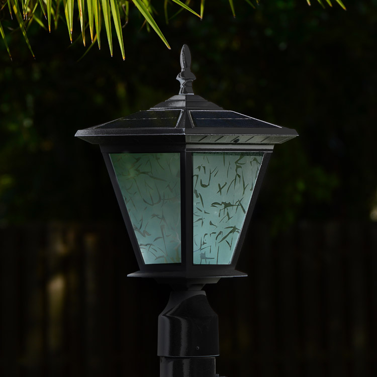 Solar light for driveway entrance